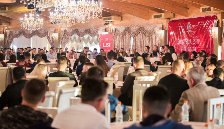 Lëvizja Rinore për Integrim ka zhvilluar një bashkëbisedim mes studentëve shqiptarë dhe disa pedagogëve anglezë