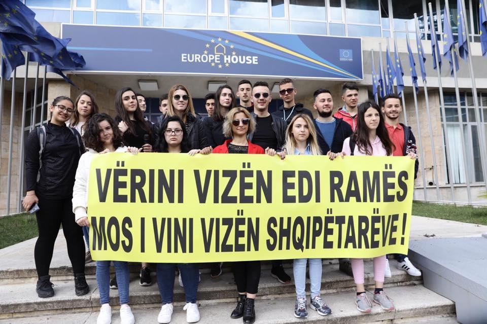 LRI protestë para selisë së BE: Vërini vizën Ramës